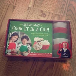 Christmas in a cup kids cook book + silicone cups